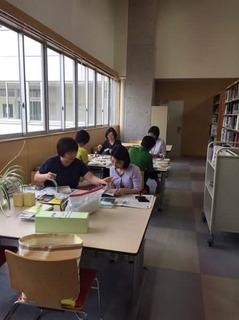 9月図書ボ作業.jpg